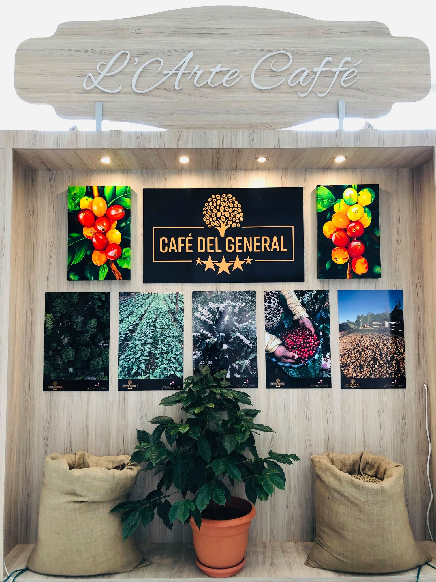 Cafe del General coffee show 3